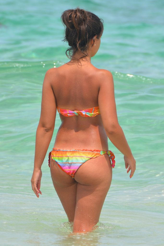 Woman with Round Butt